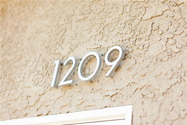 1209 Steinhart Avenue, Redondo Beach CA: http://media.crmls.org/medias/37114bea-a586-4c66-b3a6-ab8597355c4c.jpg