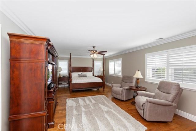 42262 Harwick Lane, Temecula CA: http://media.crmls.org/medias/37175388-8511-4b6d-b269-e78003c92220.jpg