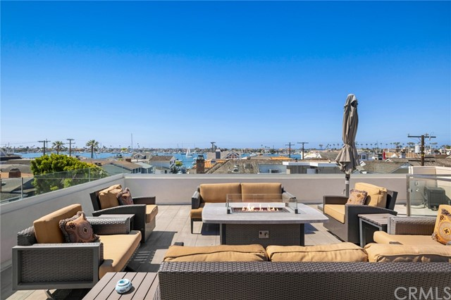 123 Ruby Avenue, Newport Beach, California 92662, 4 Bedrooms Bedrooms, ,1 BathroomBathrooms,Residential Purchase,For Sale,Ruby,NP21128323