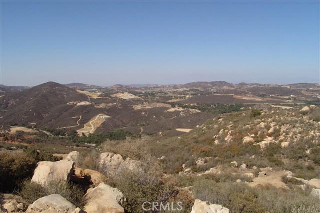 41262 Corte Fuentes, Murrieta CA: http://media.crmls.org/medias/3737a60e-931e-4216-9fdc-bfda7868f154.jpg