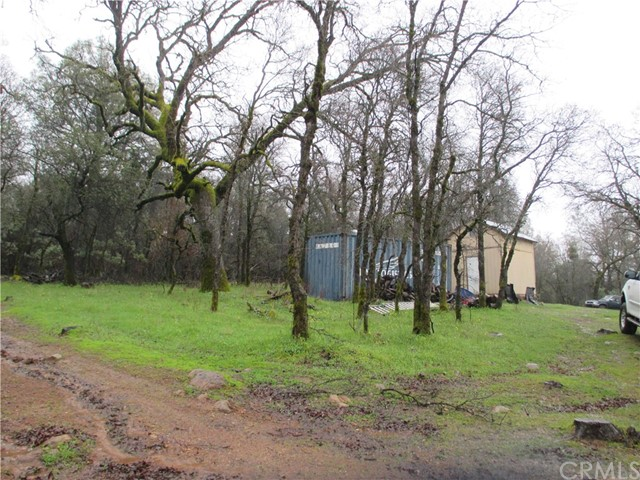 61 Purple Rock, Oroville CA: http://media.crmls.org/medias/37408342-ada8-4cae-b8fc-65b64dac3345.jpg