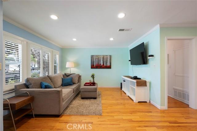 1004 Nutwood Avenue, Fullerton CA: http://media.crmls.org/medias/374d1574-79d2-4617-a8d6-3f99a16d65b9.jpg