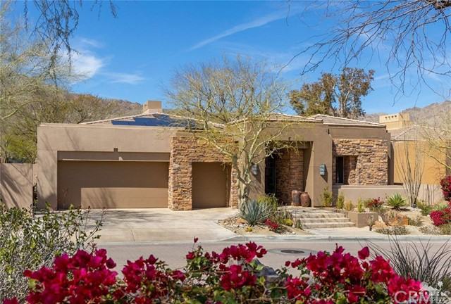 221 Kiva Drive, Palm Desert CA: http://media.crmls.org/medias/37687ebd-89fe-47cf-95fd-52ec0fef23f6.jpg