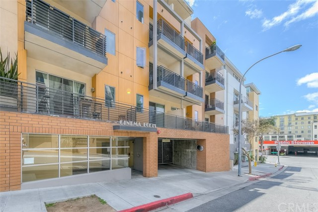 217 S Marengo Avenue, Pasadena CA: http://media.crmls.org/medias/377424ba-a256-4c05-825e-661d2465f079.jpg