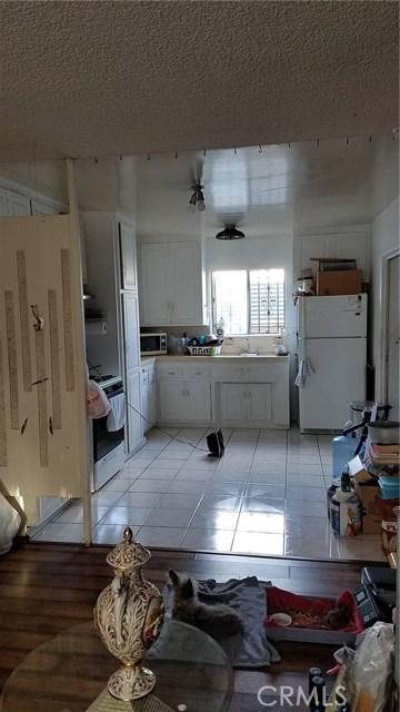 3205 Seminole Avenue, South Gate CA: http://media.crmls.org/medias/377ba52a-b3af-4a12-8069-874bb6b430e6.jpg