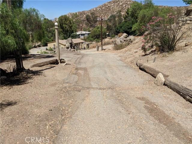 25430 Echo Valley Road, Menifee CA: http://media.crmls.org/medias/3783cd19-61a4-4fa6-8dbe-855f4ff9d037.jpg