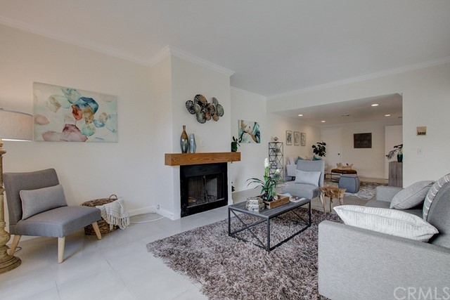 Detail Gallery Image 1 of 1 For 1024 S Marengo Ave #1,  Alhambra,  CA 91803 - 4 Beds | 2/1 Baths