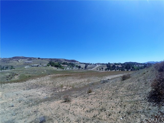 39815 Vineyard View, Murrieta CA: http://media.crmls.org/medias/37967c04-89d7-4d85-89e5-8a91a4cde80f.jpg