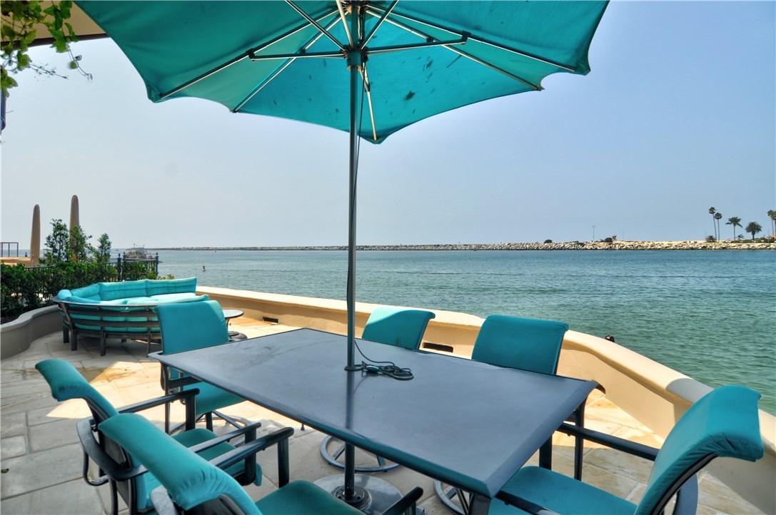 2717 Shell Street, Corona del Mar CA: http://media.crmls.org/medias/379bf828-cd93-4ad5-9d6f-77520d893981.jpg