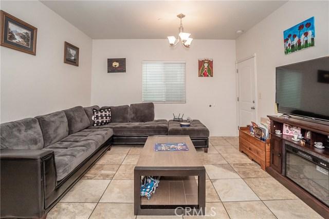 8631 Grape Street, Los Angeles CA: http://media.crmls.org/medias/37aa0004-bbb8-4854-a99e-58d459864811.jpg