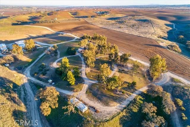 7201 Airport Road, Paso Robles CA: http://media.crmls.org/medias/37ac92dc-2ed6-4a8c-8a34-abf090929ea4.jpg
