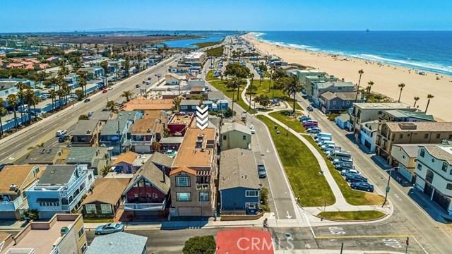 17090 5th, Sunset Beach CA: http://media.crmls.org/medias/37ae9692-5b84-413a-ba2e-c541f4a59cd2.jpg