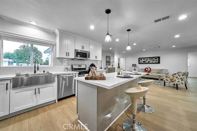 1127 N Boden Drive, Anaheim CA: http://media.crmls.org/medias/37b9a0db-e286-4442-a7a2-e881971122b2.jpg