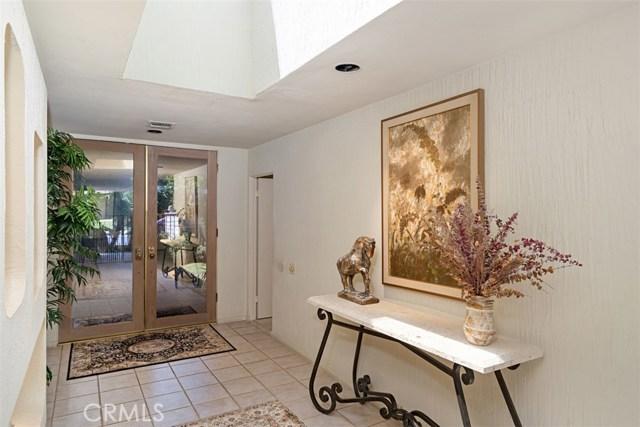 42 Lafayette Drive, Rancho Mirage CA: http://media.crmls.org/medias/37bafc94-cb8d-4503-a161-110f625ed237.jpg