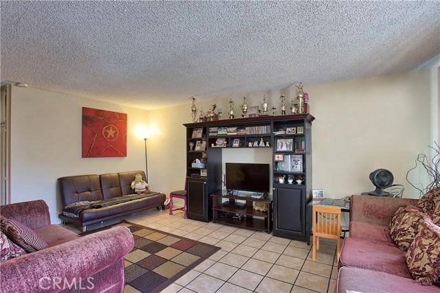 2077 Wallace Avenue, Costa Mesa CA: http://media.crmls.org/medias/37bb2ad7-c788-4015-8e21-8742f226d315.jpg