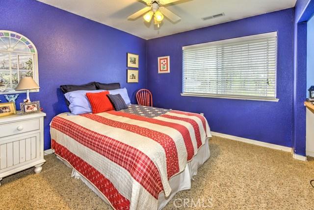 1423 20th Street, Lakeport CA: http://media.crmls.org/medias/37bc8c39-72e0-4042-b43c-971a94a8b2cc.jpg