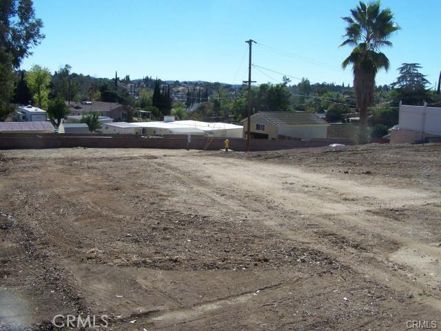 31812 Hutto Lane, Yucaipa CA: http://media.crmls.org/medias/37bd3d73-21e4-48a9-9496-5d80526f4301.jpg