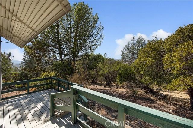 18245 Boxwood Court, Hidden Valley Lake CA: http://media.crmls.org/medias/37cf2474-2dee-4240-b005-391ba0927eb1.jpg