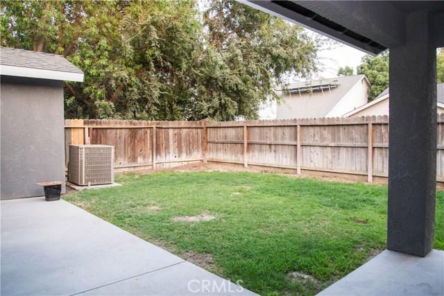 5321 W Fedora Avenue, Fresno CA: http://media.crmls.org/medias/37cf71c1-f11c-490f-b349-fbc48fab650d.jpg