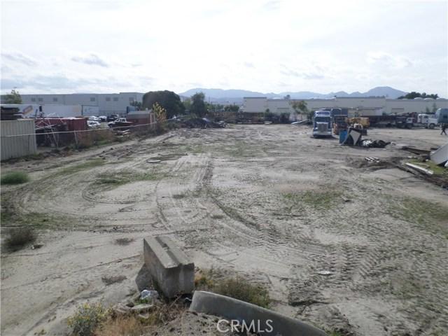 781 E Santa Fe Street, San Bernardino CA: http://media.crmls.org/medias/37d173db-d094-4d89-a955-97134781d8c3.jpg