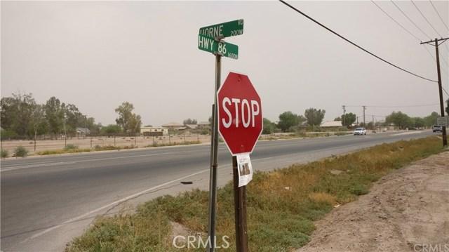 1596 US Highway 86, El Centro CA: http://media.crmls.org/medias/37dab898-da2d-4358-906e-d9fa0c9791d1.jpg