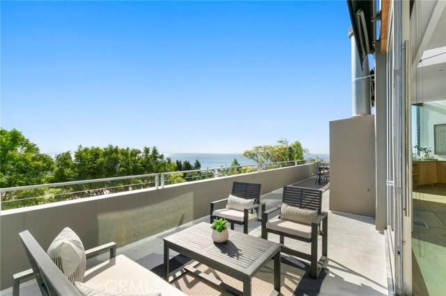 880 Coast View Drive, Laguna Beach CA: http://media.crmls.org/medias/37e85a43-2ca7-4dc2-8021-6b7eed51cb9a.jpg