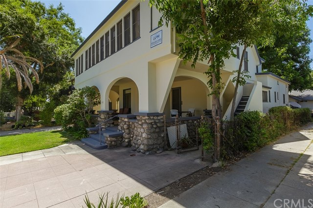 1115 Hope Street, South Pasadena CA: http://media.crmls.org/medias/37fbb663-098a-4828-bb8e-ec9f9f109e6c.jpg