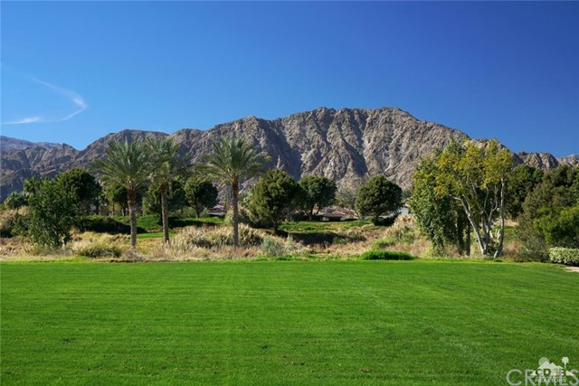 Photo of home for sale at 53357 Via Dona, La Quinta CA
