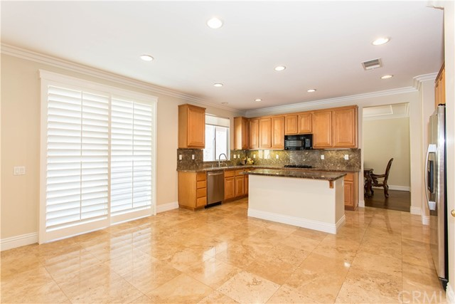 26931 Lemon Grass Way, Murrieta CA: http://media.crmls.org/medias/37ff5cba-ca2e-407d-8353-bc4562157951.jpg
