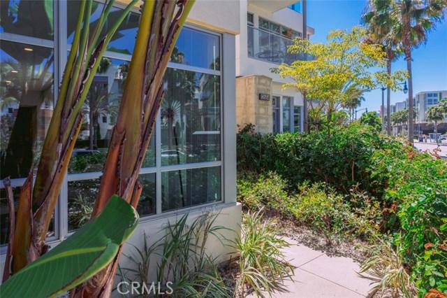 12682 Millennium, Playa Vista CA: http://media.crmls.org/medias/3802507c-7284-4d9f-a520-a8155c8e4fd8.jpg