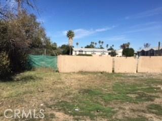 5695 Arlington Ave., Riverside CA: http://media.crmls.org/medias/380576e3-ad7c-4611-8465-09efe13c62cc.jpg