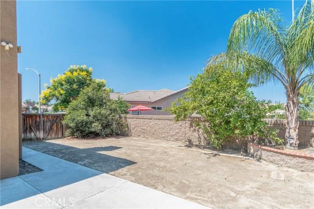 1307 Reinhart Street, San Jacinto CA: http://media.crmls.org/medias/380a3add-d2b0-4387-a6fa-68b980278d93.jpg