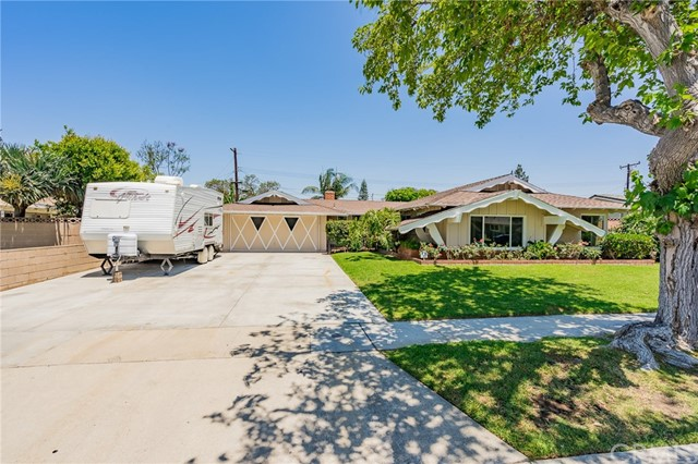 1823 W Chanticleer Rd, Anaheim, CA 92804 Photo 2