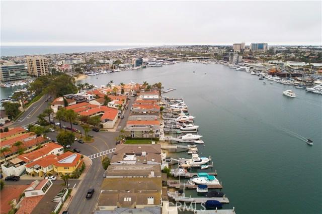 208 Via Lido Nord, Newport Beach CA: http://media.crmls.org/medias/3816d4c6-60c5-4b88-8d78-a21b8e11f4b4.jpg