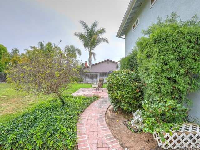 581 Doverlee Drive, Santa Maria CA: http://media.crmls.org/medias/38176eee-350e-474a-96b5-0e9f47028c71.jpg