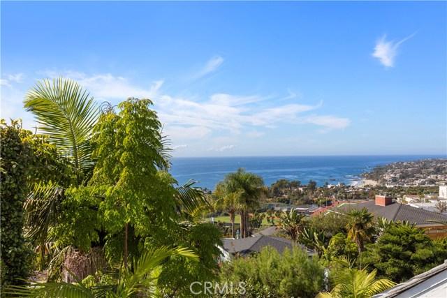 880 Coast View Drive, Laguna Beach CA: http://media.crmls.org/medias/38242d2b-2df3-46e5-a1aa-4960b45a1858.jpg