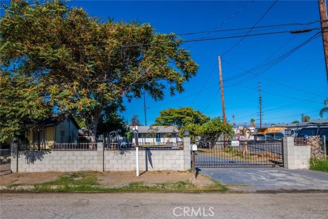 1178 Barton Street, San Bernardino CA: http://media.crmls.org/medias/38258e17-c00c-488f-aeaf-2e1ef0dae30b.jpg