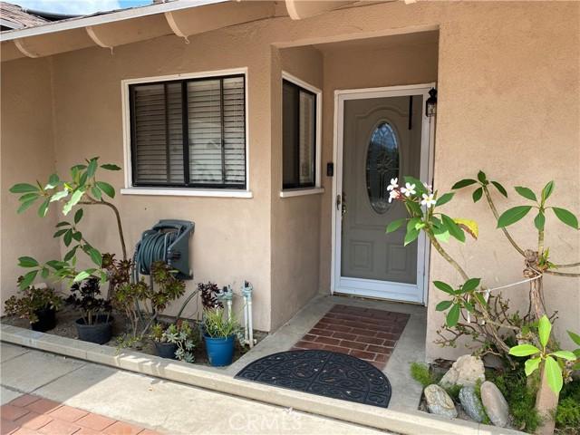 2655 W Sereno Place, Anaheim CA: http://media.crmls.org/medias/3826ea84-a8d5-479e-90d3-4a140e9d690a.jpg