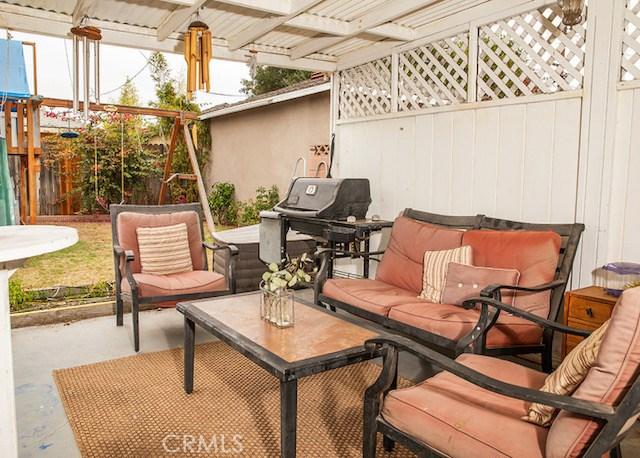15615 Ogram Avenue, Gardena CA: http://media.crmls.org/medias/3830424c-ed3d-4cdd-9e75-20b1df384977.jpg