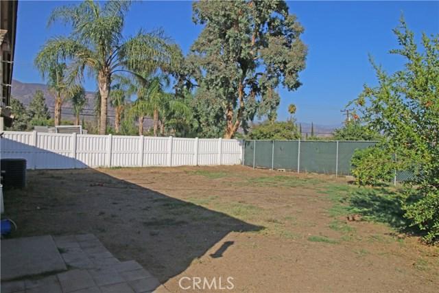 4905 Lakewood Drive, San Bernardino CA: http://media.crmls.org/medias/3831035f-3efb-4d3f-aed0-33130a196332.jpg