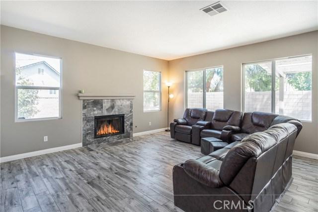 1307 Reinhart Street, San Jacinto CA: http://media.crmls.org/medias/3837c980-6846-423d-8f4a-ebad6b2ea07d.jpg