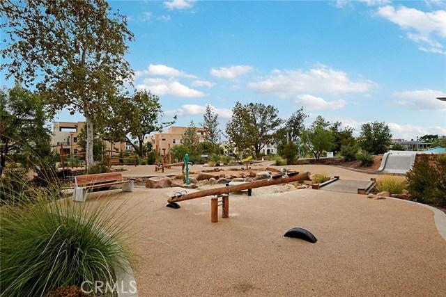 168 Follyhatch, Irvine CA: http://media.crmls.org/medias/38497eb5-f8f3-48bf-834d-2dd0444d34b3.jpg