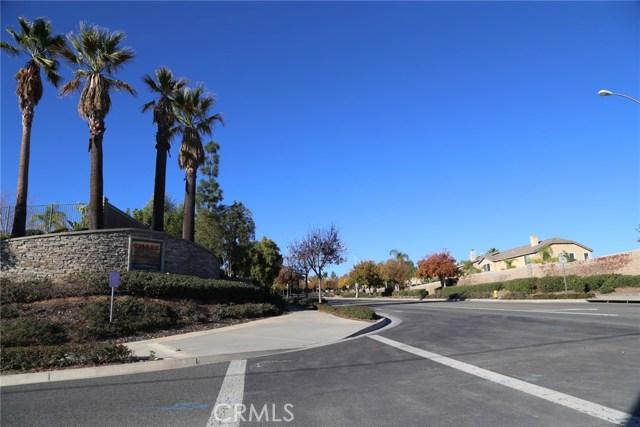 1709 Galloway Lane, Corona CA: http://media.crmls.org/medias/3852b848-a18c-422a-a431-e164fef37d09.jpg