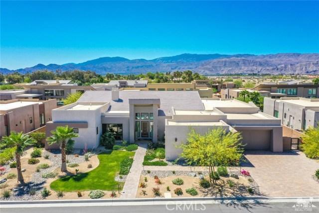 35 Via Noela, Rancho Mirage CA: http://media.crmls.org/medias/3855fde6-6fa8-4bc8-9fe0-e6d68b84302c.jpg