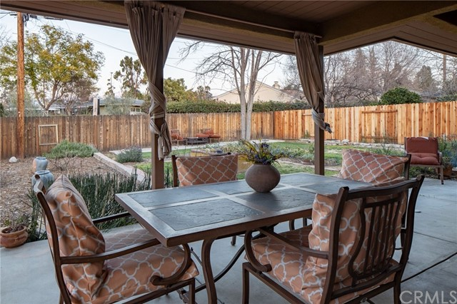703 Alvarado Street, Redlands CA: http://media.crmls.org/medias/38567383-7883-4295-b957-15111bafd638.jpg