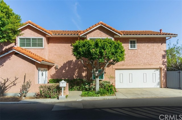 Photo of 1680 Mountcrest Avenue, Hollywood Hills, CA 90069