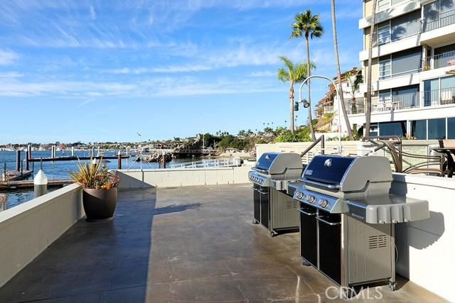 2525 Ocean Boulevard, Corona del Mar CA: http://media.crmls.org/medias/3867c31a-865f-441f-9054-768a6c9d20e0.jpg