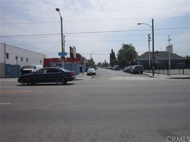 7515 S Central Avenue Los Angeles, CA 90001 - MLS #: DW17116403