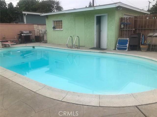 3141 E Sawyer Street, Long Beach CA: http://media.crmls.org/medias/386e9bdc-dc7e-4499-8c20-9240b65bbe96.jpg