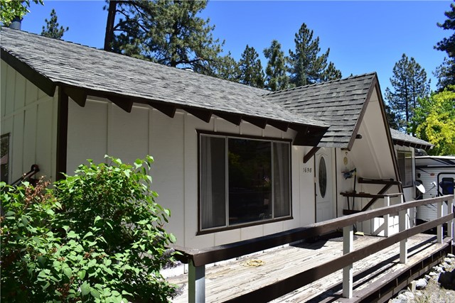 1698 Twin Lakes Road Wrightwood, CA 92397 - MLS #: IV18271497